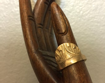 Infinite Cocoon ring in Untold/ Bronze/ US size 5