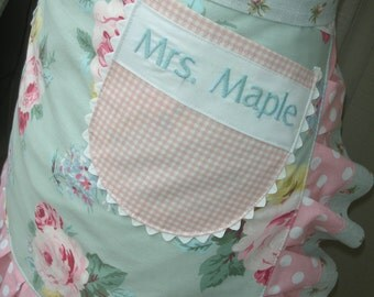 Monogramming - Embroidered Names - My Name Monogrammed on a Apron - Printed Name - Monogramming Names on Aprons - Annies Attic Aprons
