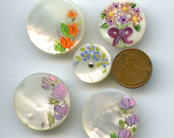 Hand Painted Shell Buttons (5) Floral Flowers Vintage Mother of Pearl MOP 1878