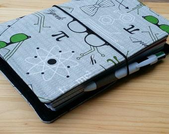 Fauxdori Geekery  Travelers Notebook  pen loop no internal pockets