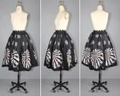 novelty skirt / vintage skirt / 1950s / AT THE BEACH full skirt