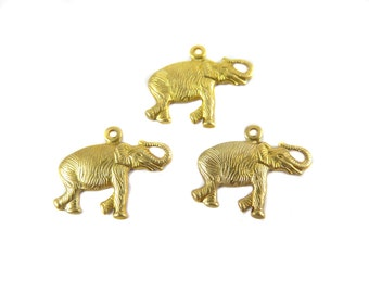 Right Facing Brass Elephant Charms - (8x) (M872)