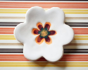 Flower ring dish or teaspoon rest with gift box, glazed in colorful hues on a  white background, ready to mail