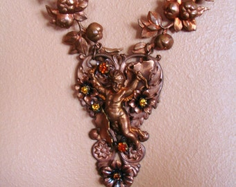 ROMAN HOLIDAY statement necklace