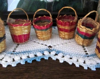 Vintage Made in Bolivia Miniature Baskets 1930s Set of 6 Multicolored Mint with Original Tags Decorations Ornaments