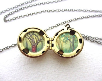 Miniature Oil-Painting Treehouse Locket, Deep Forest Landscape