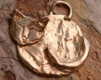 Peaceful Kitty Cat Pendant in Gold Bronze