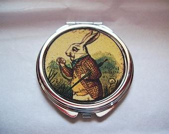 Alice in Wonderland compact retro vintage White Rabbit pocket mirror kitsch