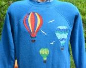 vintage 80s sweatshirt rainbow HOT AIR balloons raglan Medium Small applique preppy
