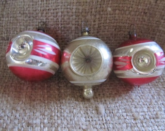 Lot Of 3 Vintage 1940's Double Indented, Hand Painted Mercury Glass Christmas Ornaments, Ships Worldwide