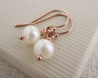Rose gold bridesmaid jewelry Bridesmaid earrings Pearl earrings, dainty freshwater pearls, blush pink gold dangle earrings, bridesmaid gift
