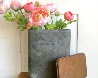 Rustic Beauty... Vintage Farmhouse Galvanized Zinc Metal Storage Bin with Lid Planter Vase Industrial