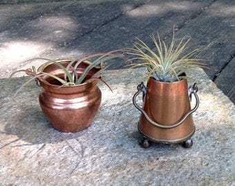 FREE SHIPPING-Vintage-Set of 2-Small Copper Cauldrons/Pots with Hanging Handles-Mid Century-Farmhouse-Bohemian-Air Plant Containers-Cottage