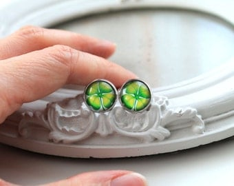 St Patricks day green clover shamrock stud earrings geekery Ireland