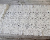 Vintage Lace Table Runner, Table Runner for Wedding, Long Rectangle Doilies, lace Dresser Scarf, Tea Party , Wedding Linens, Wedding Table