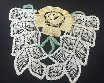 Vintage Yellow and White Floral and Pineapple Crochet Hand Crochet Doily