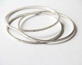 Single Silver Bangle - sterling wire bangle - stackable bangle bracelet - geometric silver jewelry - wire bangkle bracelet - arm candy