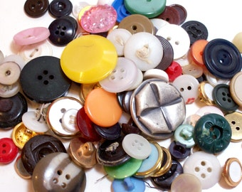 Vintage Buttons, Vintage Button Lot x 100 pieces, Used Garment Buttons