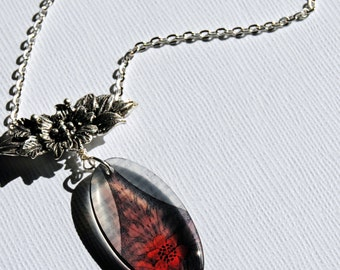 Plum lily, fall floral necklace, resin necklace, translucent resin, autumn acessory , lily necklace
