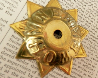 "9 POINTED STAR DETAILED ""New Home"" Gold Colored Lightweight Metal"
