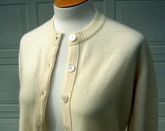 Vintage Cashmere Sweater Cardigan 60s Ivory Pin Up DALTON Plush 2 ply Bust 44 Medium