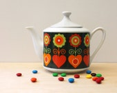 Folk art pattern vintage teapot, 1970s Japan tea pot.