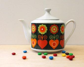 Folk art pattern vintage teapot, 1970s Japan tea pot.