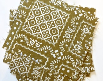 Vintage 60s Quilt Squares - Khaki Green and White Pennsylvania Dutch Print - 15 Squares