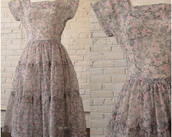Vintage 1950s Carriage Novelty Print Sheer Crinkle Organza Dress by Jonathan Logan, size XS
