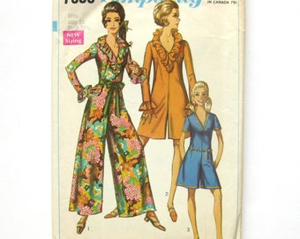 Mod Pant Dress Wide Leg Jumpsuit with Ruffled Neckline and Cuffs / Vintage Sewing Pattern - Simplicity 7956  / Size 10