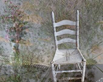 Dottie's White Chair, notecard