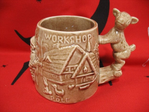 Santa Claus North Pole Workshop Mug Cup, Vintage Figural Christmas Ca: 1940s