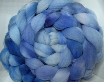 Targhee Roving Combed Top - 5oz - Seattle Sky 2