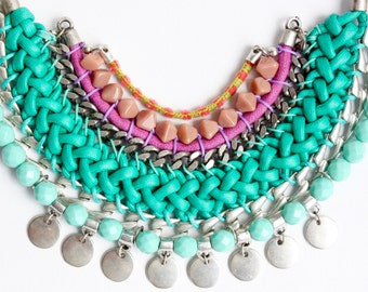 ZAWADY colorful statement necklace with round pendants