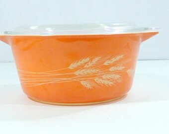 Vintage Pyrex Wheat Casserole Dish 1 1/2 Quart with Top  Rust Wheat Harvest Wheat Covered Dish  Item B