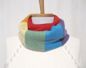 Red Rainbow Cashmere Infinity Scarf / Rainbow Infinity Scarf / Rainbow Cashmere Scarf / Neck Warmer Felted Cashmere Sweaters (No828)