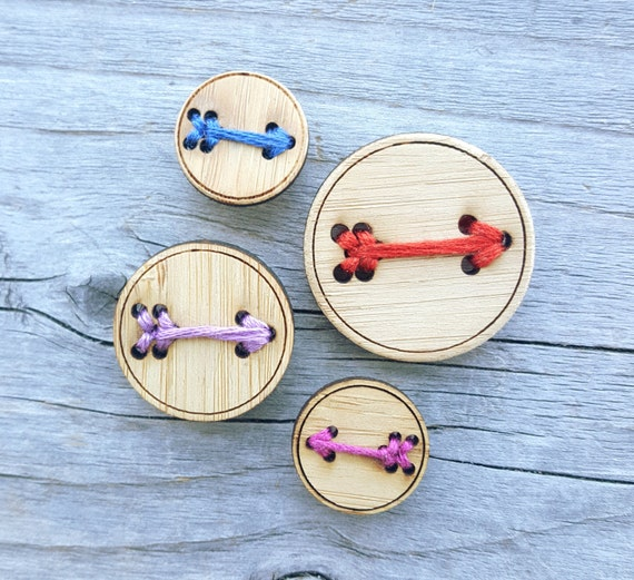 """Four Bamboo Arrow Buttons (3/4"""", 1"""" or 1.25"""")"""
