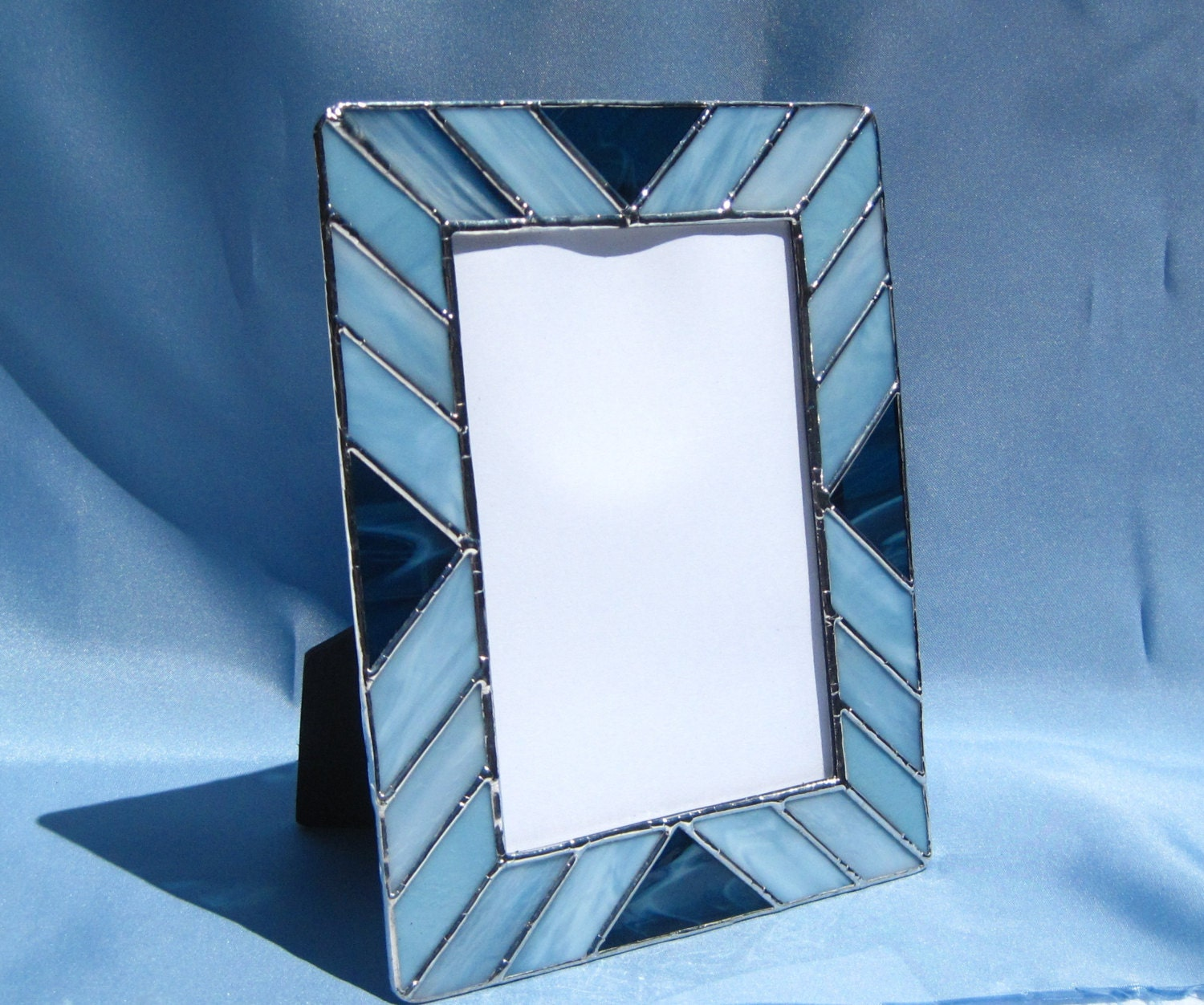 stained glass picture frame shades of blue frame 5 x 7 stained. Black Bedroom Furniture Sets. Home Design Ideas