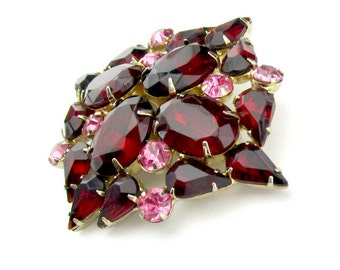Brooch Ruby Red Pink Rhinestone Gold tone