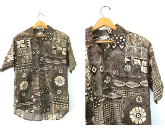 Floral BATIK Shirt Oversized Windjammer Button Up shirt Brown Abstract Hawaiian Pocket Tee Slouchy Beach resort Shirt Vintage Medium