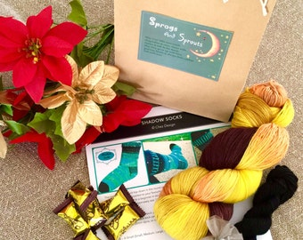 KNITTERS GIFT IDEA Sock Knitting Kit - Shadow Socks Pattern and Accessories