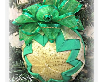 HANDMADE QUILTED Ornament/Green and Gold Ornament/Quilt/Quilted Handmade Ornament/christmas ornament/heirloom/vintage  (Ready to Ship)