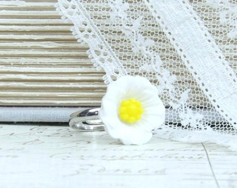 White Poppy Ring Nature Ring White Flower Ring Statement Ring Adjustable Ring Floral Ring White Ring