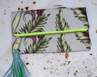 Tropical Clutch Bag, Green leaf Tropical Foldover Clutch, Leather Tassel, Summer Trend, Womans Fashion