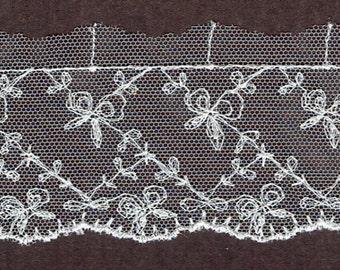 Vintage floral embroidered Ivory lace trim 15yds  (3050)