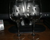 Set Of 2 Notre Dame NCAA Wine glasses