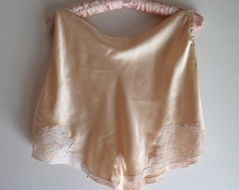 Vintage Silk Tap Pants/Panties High Waisted Peach Silk Satin with Alencon Lace Trim and Button Closure