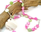Shell Necklace, Pink and Green Shells, Shell Pendant Necklace, Trending Jewelry, Summer Jewelry