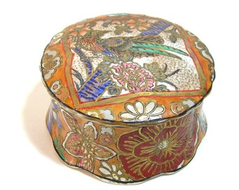 China Trinket Box With Exotic Bird