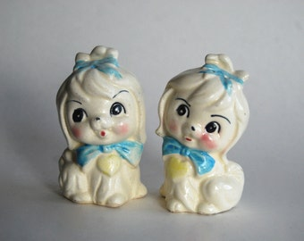Vintage Pair of Salt and Pepper Shakers, White Dogs, Taiwan